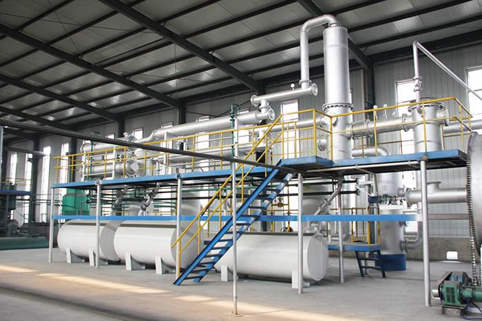 Waste Tire Plastic Pyrolysis Plant To Oil Used in Trucks/Big Marine/Generator