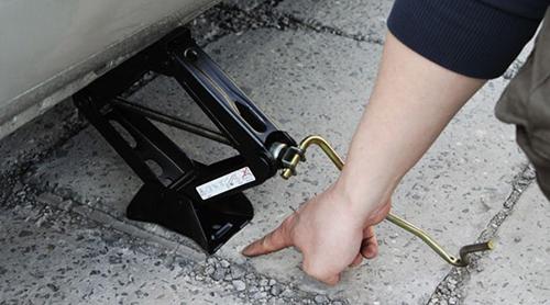 Maintenance Of Mini Hydraulic Car Jack Quick Lift Yantai