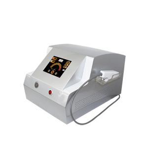 Máquina da remoção do sangue vermelho da veia da cara