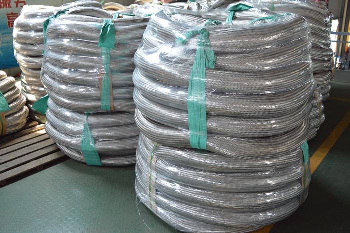 Stainless steel braided mesh sleeve