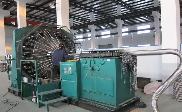 Stainless steel woven mesh cover production site