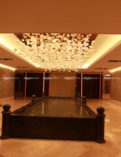 Treo đèn chùm với hạt đèn chùm sảnh cho khách sạn Yutong