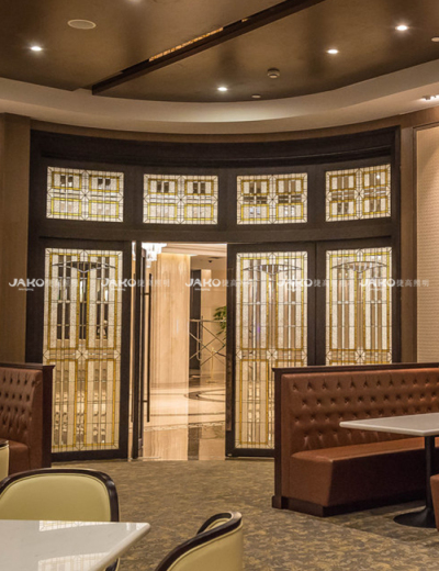 Ánh sáng treo tường được gắn tại sảnh khách sạn Thượng Hải