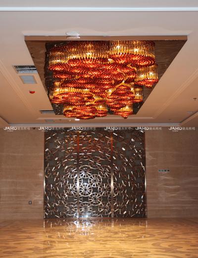 Đèn chùm sảnh làm từ pha lê K9