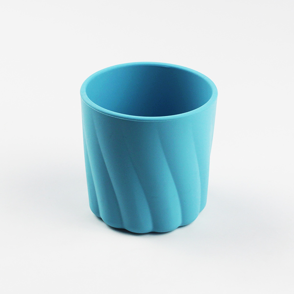 Silicone drinking cup
