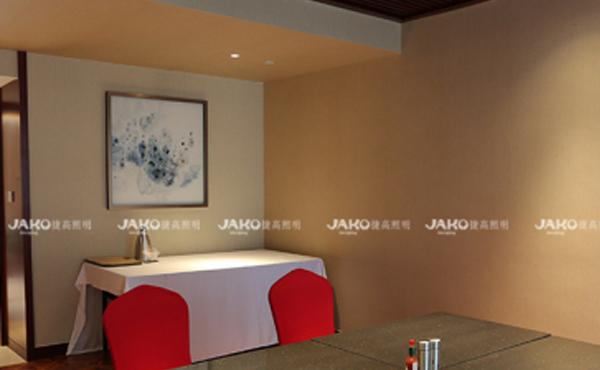 Ánh sáng khách sạn hy vọng sẽ giúp khách sạn sắp được cải tạo hoặc sẵn sàng để được định tuyến lại