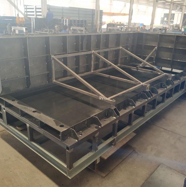 Prefabricated interior wallboard mould