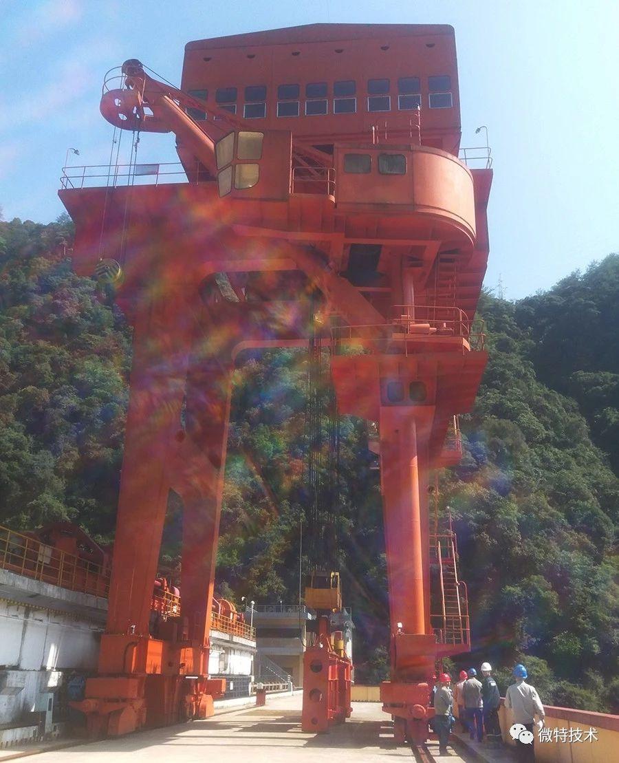 HydropowerGantryCrane.jpg