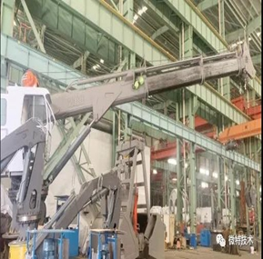 Telescopic deck crane load moment indicator safety device for crane manufacturers