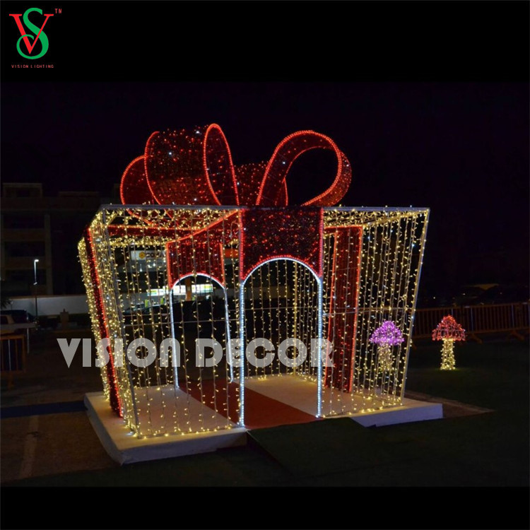 Holiday Giant Outdoor Decoration