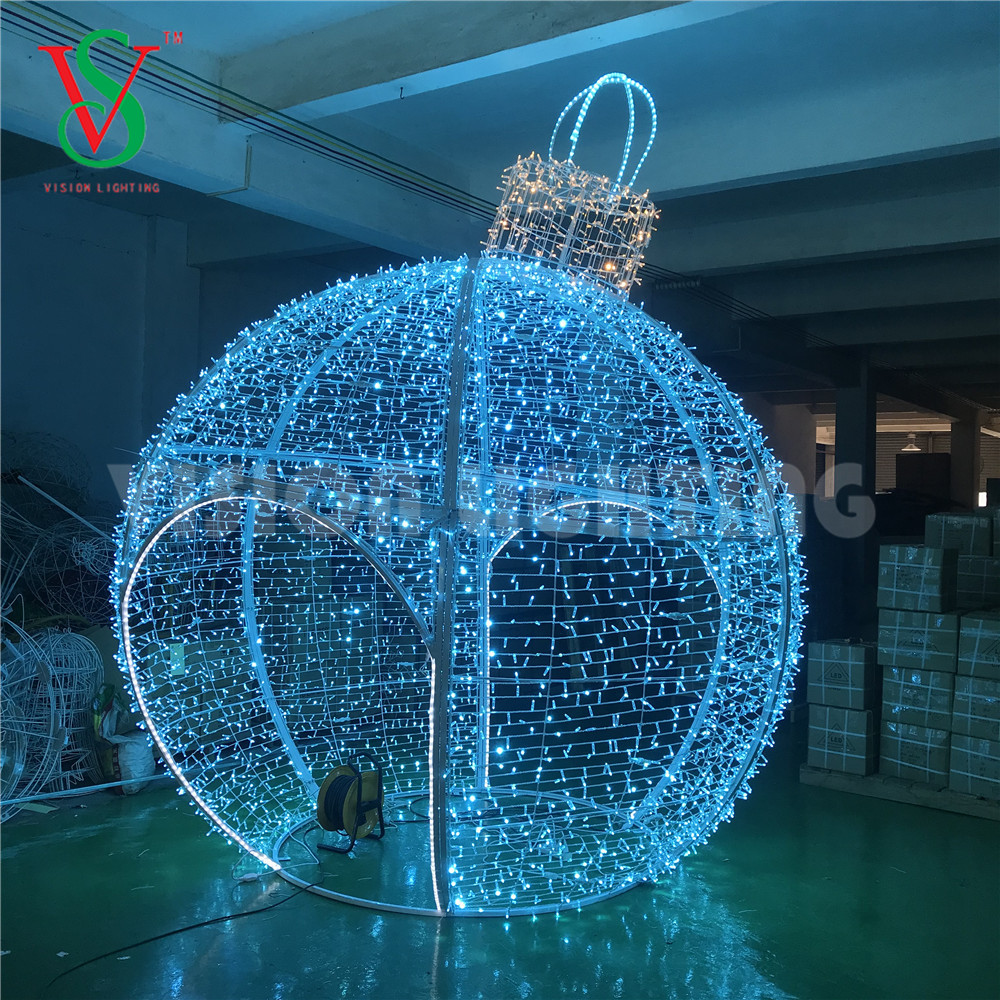 LED 3D Giant Bauble