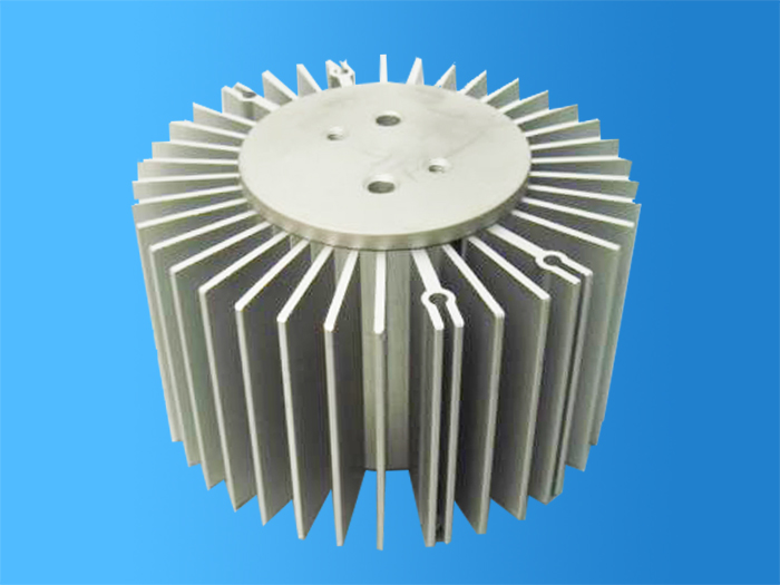 The heat dissipation device of the electronic radiator depends on two aspects