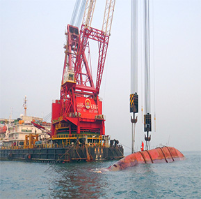 "Guangzhou Salvage Bureau heavy lift crane barge ""Nan Tianlong"" equipped by Weite Salvage safe load indicator system"